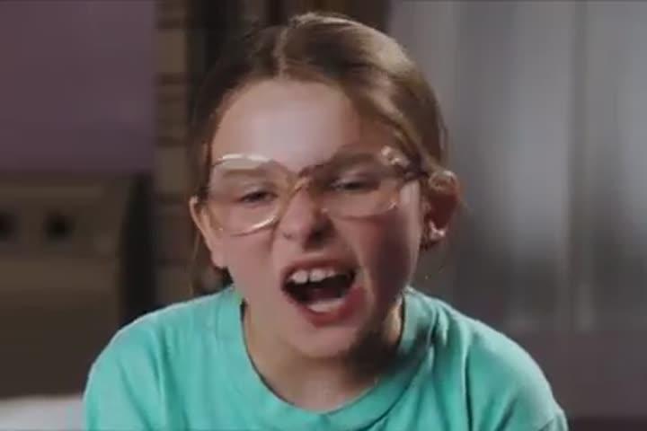 Little Miss Sunshine - Official Trailer HD