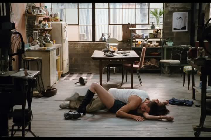 Love and Other Drugs - Official Trailer HD