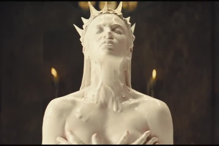 Snow White & the Huntsman - Official Trailer HD